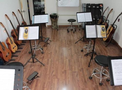 吉他培訓 -- 小組課
